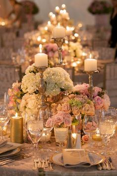 2014: Gold and Blush accented telescape table design by Bella Flowers