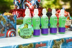 MARVEL Avengers Birthday Party | http://horriblehousewife.com/2015/08/marvel-avengers-birthday-party/