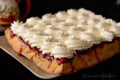 Prajitura rasturnata cu visine Romanian Desserts, Romanian Food, Dessert Bread, Something Sweet, Food Cakes, Cake Cookies, I Foods, Cheesecakes, Cake Recipes