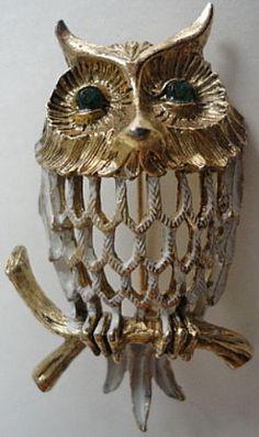 Wondreful-Hobe-Signed-Owl-w-Filigree-Metal-Pin-Brooch-Vintage-1960s-Green-Eyes