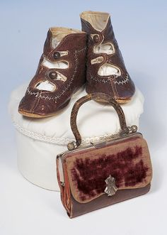 GIRL'S ANTIQUE SHOES AND PURSE.