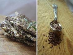 Low carb parmesan and rosemary crackers: Mat for sjelen. Recipe in norwegian.