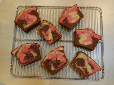 Pink Marble Cake | [sweet) Kitchen Science