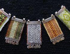 Thread Jewellery, Textile Jewelry, Fabric Jewelry, Resin Jewelry, Jewelry Crafts, Beaded Jewelry, Inkle Weaving, Inkle Loom, Collar Hippie