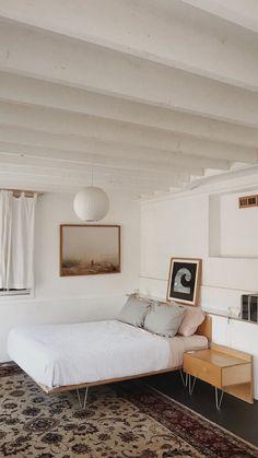 Vintage Home Decor For More Traditional Interior Design Retro Home Decor, Easy Home Decor, Cheap Home Decor, Modern Decor, Modern Design, Interior Exterior, Home Interior Design, Interior Plants, Interior Modern