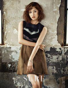 Photos of actress Kim Ji-won's photo shoot for fashion magazine 'Sure' for its July issue was released. To see the photos, take a look at the stunning photos of Kim Ji-won below. Jang Seo Hee, Kim Ji Won, Ethnic Looks, Park Shin Hye, Korean Entertainment, Korean Celebrities, Girl Day, Korean Actresses, Actress Photos