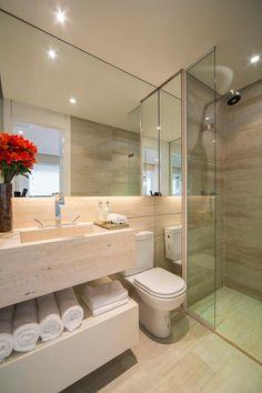 Por Claudia e Chris ✨. Modern Bathrooms Interior, Small Apartment Interior, Bathroom Interior Design, Interior Design Living Room, Bathroom Kids, Bathroom Design Small, White Marble Bathrooms, Tiny Apartments, Bathroom Renovations