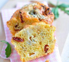 Recette de Mini-cake de tomates séchées et Roquefort