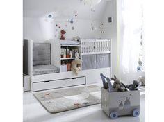 Une chambre de bébé avec un beau berceau Boy Girl Room, Baby Boy Rooms, Baby Boy Nurseries, Room Ideas Bedroom, Baby Bedroom, Kids Bedroom, Nursery Nook, Newborn Bed, Kid Beds