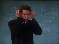 14 Times Ross Geller Proved He Is The Ultimate Geek Ross Geller, Friends Gif, Friends Tv Show, Ross Friends, Friends Episodes, David Schwimmer, Joey Tribbiani, Phoebe Buffay, Chandler Bing