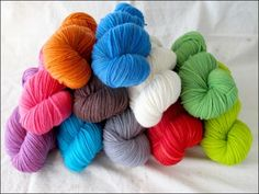 Knitterly Things - (Powered by CubeCart) A 100% Merino Wool Yarn