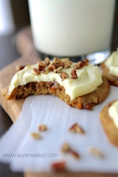 Carrot Cake Cookies recipe: These Carrot Cake Pecan Cookies are cake-like and soft and completely irresistible when they're topped with Orange Cream Cheese frosting! Carrot Cake Cookies, Pecan Cookies, Yummy Cookies, Brownie Cookies, Yummy Treats, Sweet Treats, Pumpkin Cookies, Sugar Cookies, Cookie Desserts