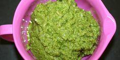 Flot, grøn pesto med basilikum og solsikkefrø.