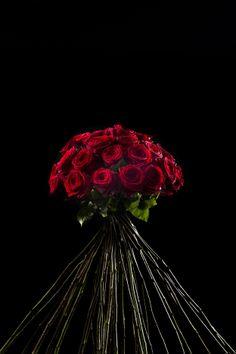 Porta Nova Supra Red Naomi Bouquet by Pierros La Couture Des Fleurs.