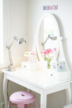 Girls dressing table... Cute