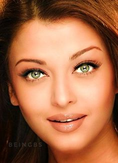 Aishwarya Rai Young, Aishwarya Rai Bachchan, Beautiful Goddess, Beautiful Women, Miss World, Stunningly Beautiful, Bollywood Actors, Indian Girls, Full Moon