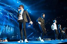 Harry Styles (left) and his boy band One Direction performs at Madison Square Garden Monday, December 3, 2012. (Craig Warga / NY Daily News)
