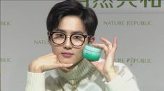 These five male idols were revealed to guarantee an increase in the sale of beauty products from their endorsements alone. With the rising number of males wearing make-up, it comes as no surprise that more and more male celebrities are modeling for and promoting various brands of beauty products. These five male celebrities have become...