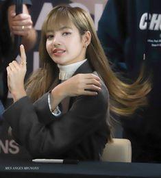 Trang chủ / Twitter South Korean Girls, Korean Girl Groups, Rapper, Arte Disney, Man O, Blackpink Lisa, Mona Lisa, Kim Jennie, Yg Entertainment
