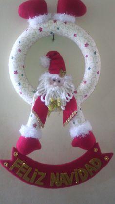 Lina decoración con amor Christmas Crafts, Christmas Decorations, Christmas Ornaments, Holiday Decor, Craft Shop, Wedding Decorations, Santa, Home Decor, Christmas Decor