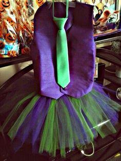 Joker Costume Girl, Joker Halloween Costume, Halloween Diy, Joker Outfit, Halloween Themes, Easy Diy Costumes, Cute Costumes, Carnival Costumes, Costume Ideas