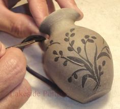 step by step guide on how to decorate Pottery with Sgraffito.