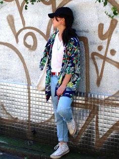 吉祥寺の路地で撮ってもらいました お気に入りの古着屋さんtopofthehillのアロハシャツ�