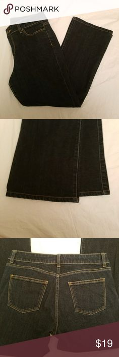 Heritage size 8p/29 dark blue boot cut jeans Condition: Excellent Used Condition  Brand: Heritage Color: Dark Blue denim Size: 8P  Excellent condition dark blue boot cut jeans. No freying at the hems. Like new condition. Smoke Free home. Heritage Jeans Boot Cut