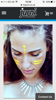Bezauberndes Make up für die Festivalsaison l Coachella l Festival Rave Face Paint, Neon Face Paint, Tribal Face Paints, Face Paint Makeup, Makeup Art, Glitter Face Paint, Glitter Face Makeup, Tribal Paint, Glow Makeup