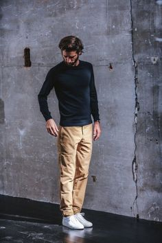The Twill cotton chino is a season must-have