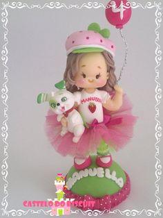 Topo de bolo personalizado   Frete por conta do comprador http://www.elo7.com.br/personalizada-tema-moranguinho/dp/3F62C9#mrrp=1