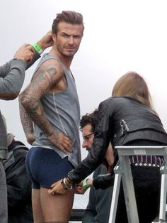 Have Mercy: David Beckham Is in His Underwear Again George Clooney, David Beckham Pictures, Sports Models, Rugby Players, Football Players, Madame, Workout Videos, Celebrity Crush, Gorgeous Men
