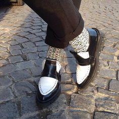 Oltenia by Oybō: 1 pair, 2 different socks.