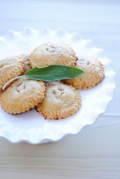 pear-sage-toasted-vanilla-hand-pies-1420011096gnk84