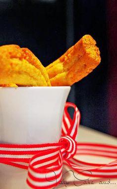 Krumiri - italian cookies - my comfortfood http://valycakeand.blogspot.it/2013/11/i-krumiri-il-mio-comfort-food.html.