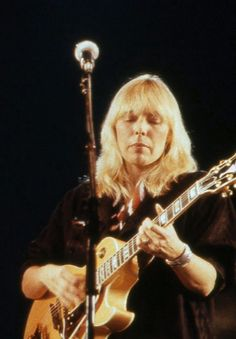 Canadian singer-songwriter and painter Joni Mitchell
