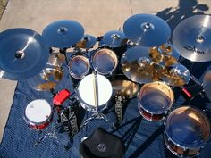 Someone cleaned his / her cymbals before taking The picture
