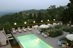 Im Herzen der Toskana, am Rande des Arno-Tales und der Region Chianti, liegt die charmante Villa Sassolini.