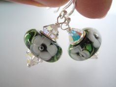 Øredobber i sølv med grønne glassperler - dinbod.no