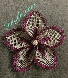 This Pin was discovered by ayş Diy Flowers, Crochet Flowers, Crochet Borders, Calla Lilies, Needle Lace, Crochet Designs, Knitting Socks, Special Gifts, Hand Embroidery