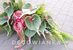 Kompozycja nagrobna w przepięknej kolorystyce osadzona w ciężkiej donicy imitującej brzozę. Funeral Flowers, Decoration, Floral Arrangements, Gardening, Plants, Flowers, Flower Decorations, Decor, Flower Arrangement