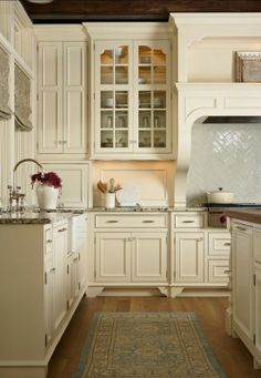 This is to remind me that I like pulls on cabinet drawers and clear glass on the doors.
