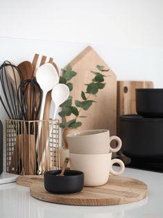 johanna ojanen keramiikka Home Decor Kitchen, Kitchen Interior, Home Kitchens, Kitchen Organisation, Home Organization, Küchen Design, Interior Design, Style Deco, Living Room Inspiration