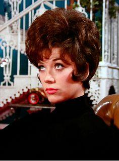 Linda Thorson as Tara King in the Avengers Avengers Girl, New Avengers, 1960 Hairstyles, Vintage Hairstyles, Linda Thorson, Uk Tv Shows, Tara King, Avengers Images, Emma Peel