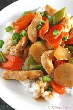 Chicken Chop Suey {Low-FODMAP, Gluten-Free, Dairy-Free, Egg-Free} / Delicious as it Looks. Be sure to add in more veggies to make it go further. Dieta Fodmap, Fodmap Diet, Low Fodmap, Fodmap Foods, Low Carb, Chop Suey, Asian Recipes, Healthy Recipes, Asian Foods