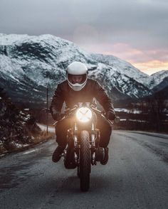 Aaron Brimhall #motorcycles #caferacer #motos | caferacerpasion.com