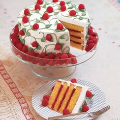 Celebrate the first weekend of summer with our easy-to-decorate Berry Bonanza Cake.