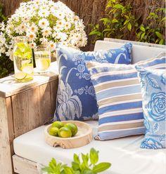 almohadones combinados en azul!!!