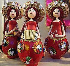 A cabaça é usada no artesanato típico do Nordeste, sendo exportada para vários países.