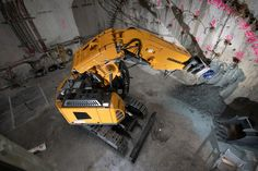 R 950 Tunnel Litronic - Liebherr Construction Machines, Heavy Machinery, Nerf, China, Workout Rooms, Fire Extinguisher, Innovative Products, Porcelain